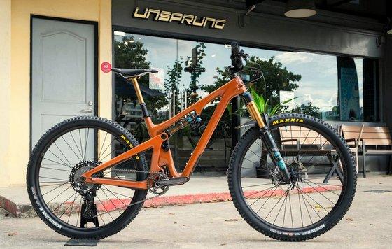 Mountain Bike Shop Unsprung - Yeti SB130, Industry Nine EN305 - Industry Nine Wheels in Singapore.