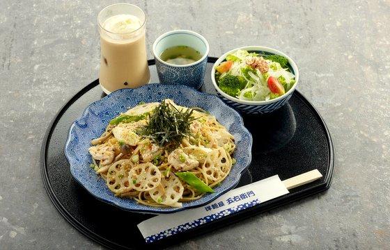 Japanese Pasta Restaurant in Singapore - Japanese Aglio Olio with Chicken - Yomenya Goemon.